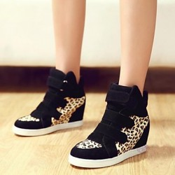 Women & #039;S Shoes Leatherette Wedge Heel Wedges/Closed Toe Fashion Sneakers Outdoor/Casual Black/Red