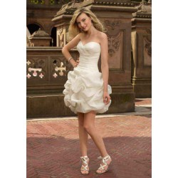 Europe and the United States money market selling low-cut dress style skirt winter white short dress low price fashion style evening dress