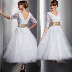 Promotional low price of high-end wedding fashion new style elegant short style lace handmade wedding