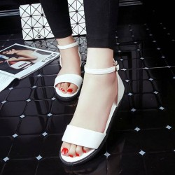 Low price beautiful new style sandals with open-toed shoes buckle brand lady flat sandals Ms. Promotions