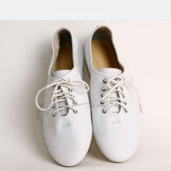 Ms. Spring and Autumn new style leather shoes, casual shoes to go out shopping seasons can wear flat shoes