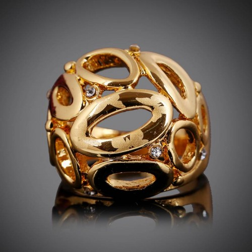 Low price fashion product hollow gold diamond ring in Europe and the US market, a discount handmade jewelry rings