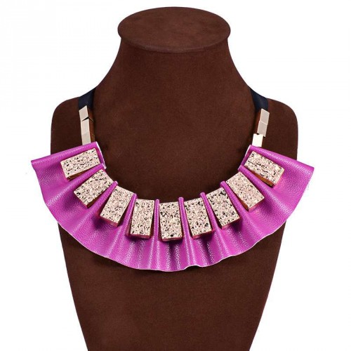 Pendant European market and the US market fashion retro leather box with gold collar necklace discount necklace