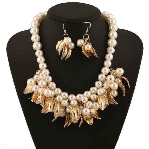 Europe and the United States exaggerated necklace sets market discount pearl necklace leaf shape of the low price short style lady lock