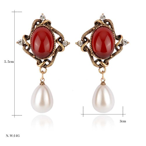All pastoral retro flower shape matching pearl earrings Europe and the United States market bride earrings Ladies Accessories fast delivery