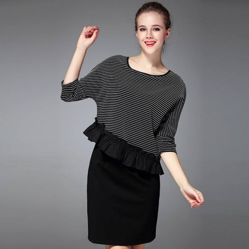 Early autumn fashion ladies temperament round neck black and white striped knit cotton irregular lace dress fight