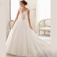 Low price promotional handmade custom wedding dress high fashion new models in Europe and the United States bridal market