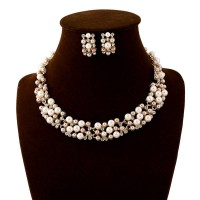 New style fashion personality pearl necklace earring piece fitted Ladies Accessories fast delivery