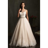 The new style of winter bride wedding the European market and the US market lower prices on both sides of the shoulder upscale princess wedding dress short tail wedding