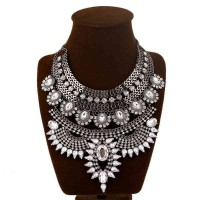 European market and the US market fashion exaggerated necklace alloy diamond necklace short style crystal jewelry pendant fast delivery
