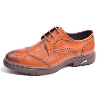 The new promotional style leather material material carved winter men's shoes men's business casual shoes leather shoes