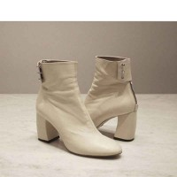 Hot sales ladies fashion boots thick high-heeled leather boots discounted round black and white minimalist Martin boots to help low