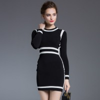 European stations autumn new models in Europe and the United States market and colorful dress in black and white long-sleeved round neck Slim bottoming dress child