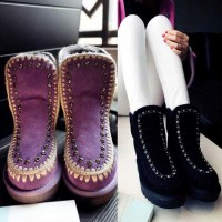 The new autumn and winter boots winter shoes styles lady flip decorated fur boots Winter paragraph Ms. internal short high-heeled snow boots