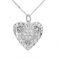 European market and the US market exquisite heart-shaped hollow frame pendant silver pendant low price discounts couple trinkets