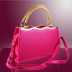 Good quality hot selling 2016 new Europe and the United States market styling package tide Ms. fashion handbag embossed bag Peas