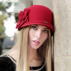 Hat Ms. popular in Europe and the United States retro fashion market cap autumn and winter hat wool hat Ms. Material