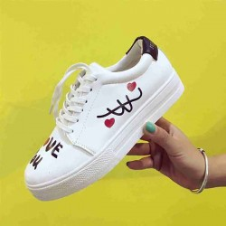 Autumn new models luxurious flat with graffiti round low-heeled lace Miss Bai Xie casual shoes discount